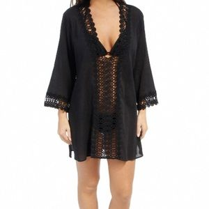 New La Blanca V-neck lace coverup / tunic